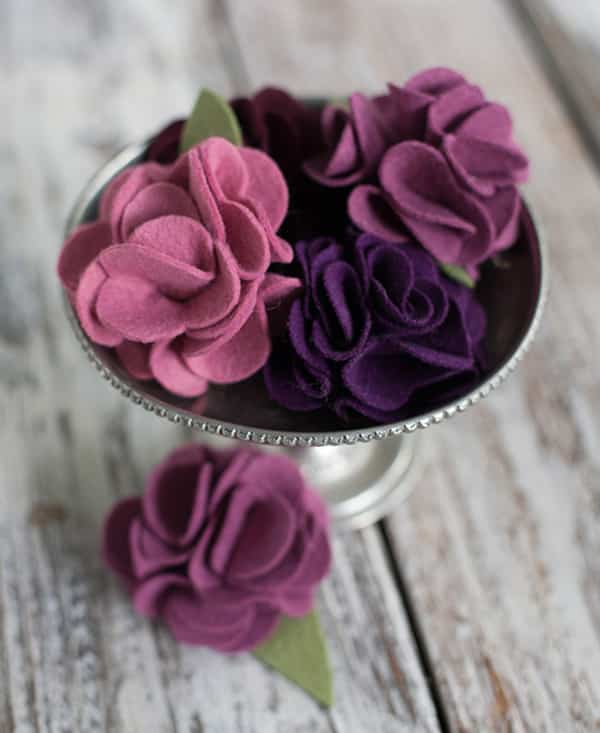 Làm hoa từ vải vụn
