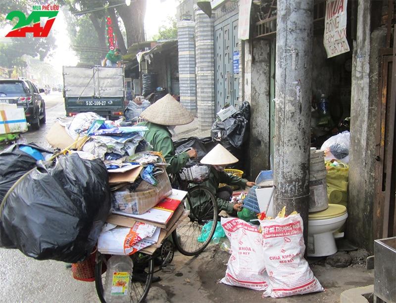 Điểm qua những mặt hạn chế của việc thu mua và tái chế ve chai