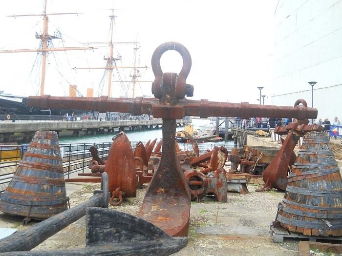 Mua bán tàu biển cũ, thuyền biển,